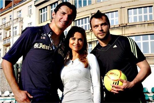 A to už je žhavá současnost. Yvetta s Kamilem Čontofalským a Tomášem Ujfalušim, kteří podpořili její projekt La Sophia.