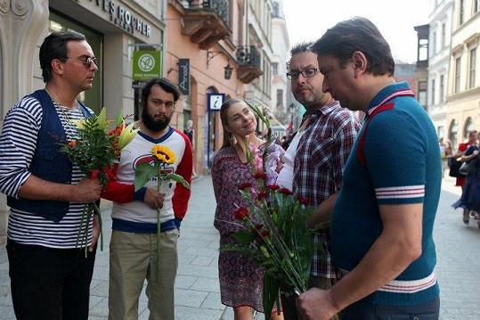 Ve filmu hrají Tomáš Matonoha, Josef Polášek, Pavel Liška a Marek Daniel.