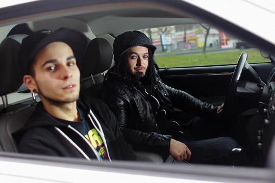 Mates a Pepa z kapely Mandrage promluvili o údajné drogové závislosti zpěváka Víti.