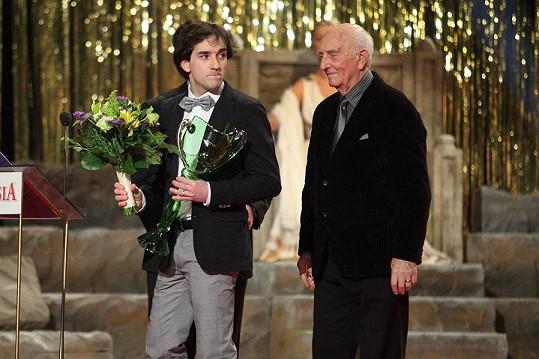 Matouš Ruml přebral cenu za nejtalentovanějšího herce do třiatřiceti let.