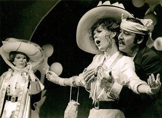 Několik let byla Jarmila hvězdou v Divadle na Vinohradech.