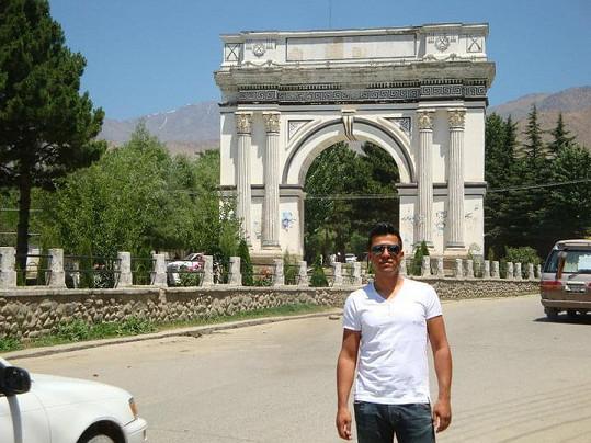Velká část rodiny stále v Afghánistánu žije.