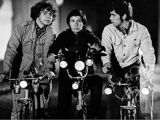 Michael Pospíšil (vlevo) s Janem Krausem a Vlastimilem Zavřelem ve filmu Láska