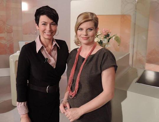 Martina Hynková Vrbová před odchodem na mateřskou. Na snímku s kolegyní Janou Havrdovou