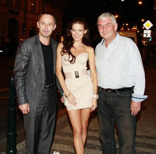 Andrea s manželem a Miroslavem Donutilem.