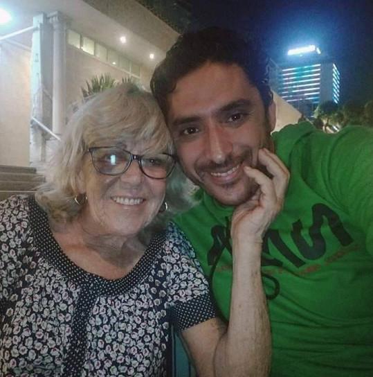 Iris Jones s manželem Mohamedem