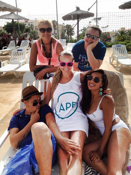 Anife s přáteli Martinou Gavriely a Marcusem Tranem na dovolené