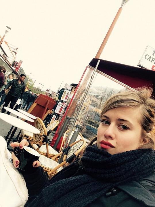 V kavárničce na Montmartru