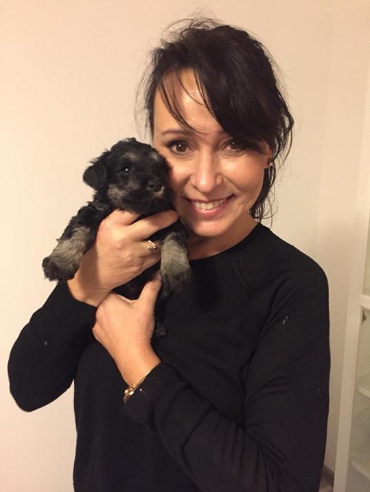 Heidi Janků s novým psím kamarádem