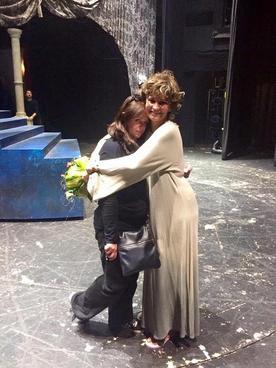 Monika Absolonová rozplakala po dojemném posledním pražském představení Antoinetty i svou manažerku.