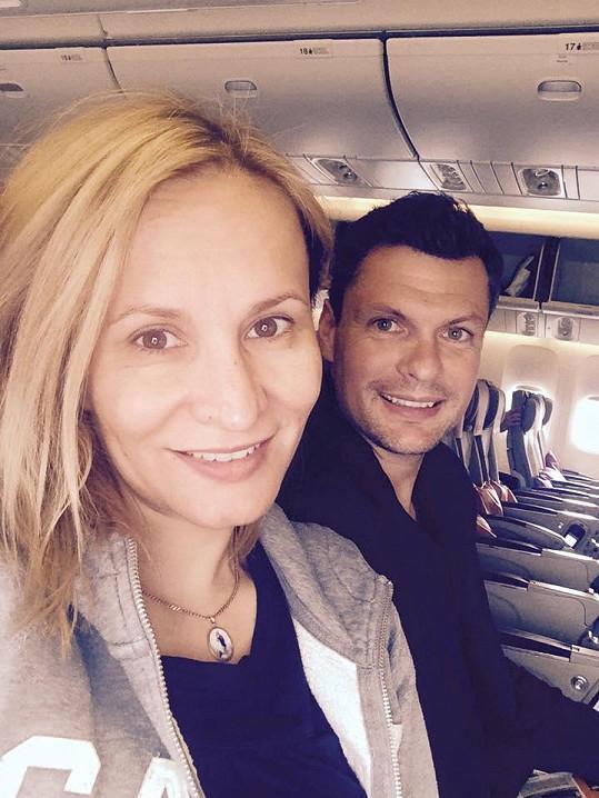 Monika Absolonová odletěla s Tomášem Hornou do Thajska.