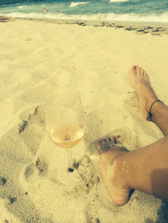 Agáta a její pohoda na pláži.