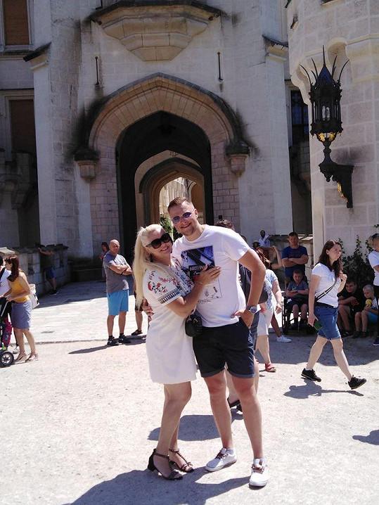 Novomanželé Biniasovi na Hluboké
