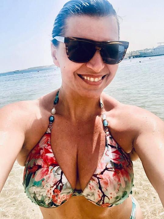 Kalivodová si před zákazem cestovat užila moře.