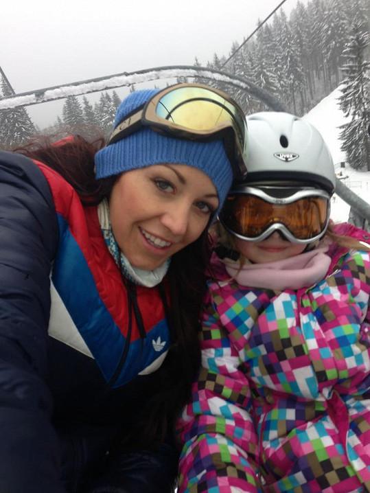 Agáta Hanychová a její sestra Kordulka vyrazily na hory.