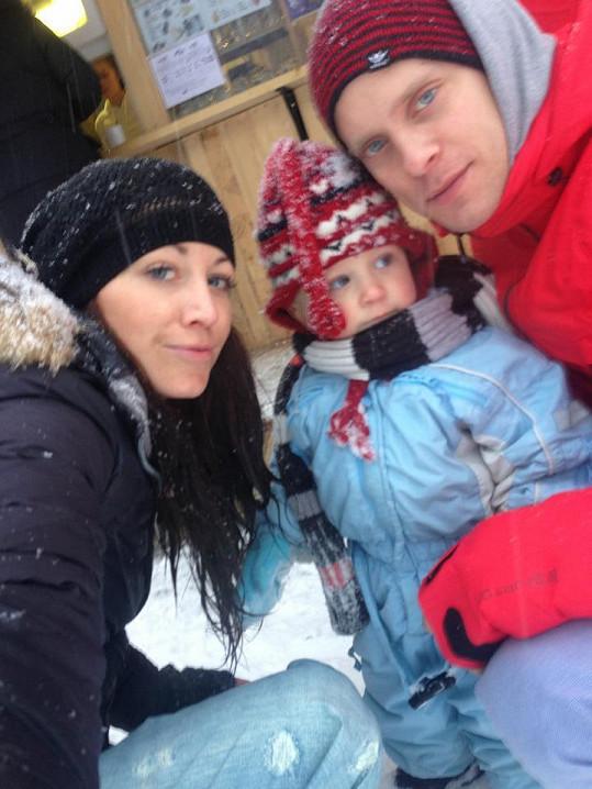 Agáta, Kryšpín a Jakub Prachař vypadají jako spokojená rodinka.