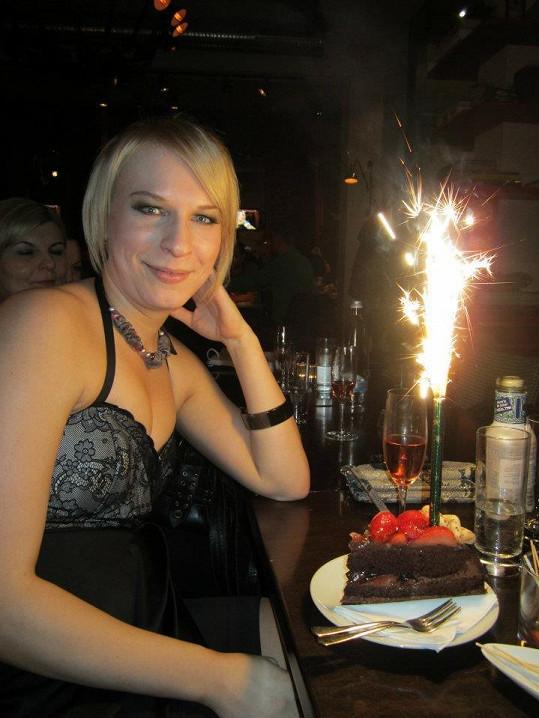 Kristýna Kočí se na oslavu vyfikla.