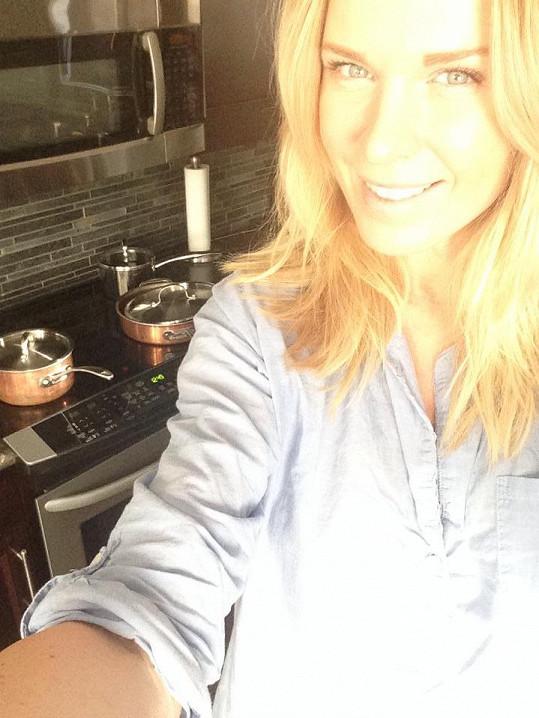 Když není Michal doma, tráví Diana nejvíc času v kuchyni.