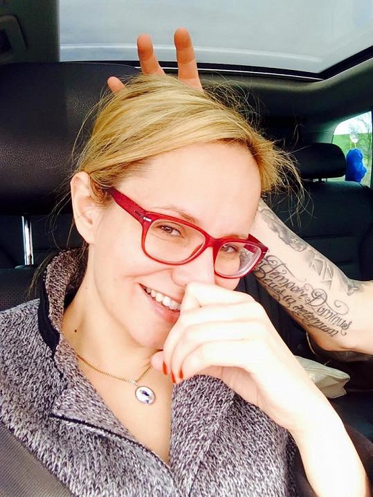 Monika tetování vzala na milost.