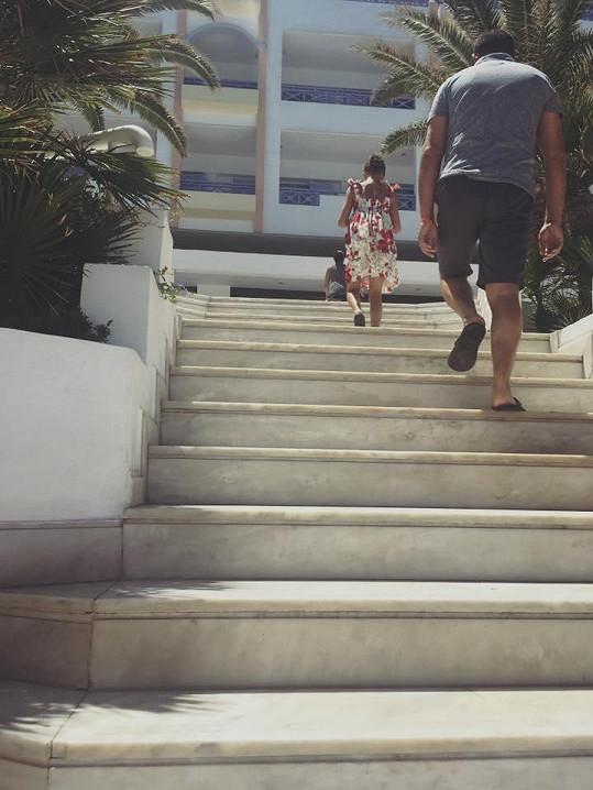 Hodně schodů
