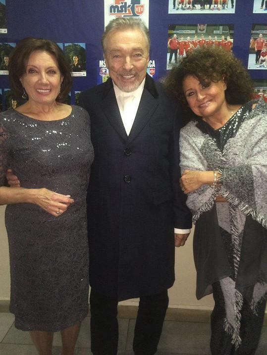 Marie Rottrová, Karel Gott a Jitka Zelenková spolu zazpívali na vánočním koncertě v Považské Bystrici.