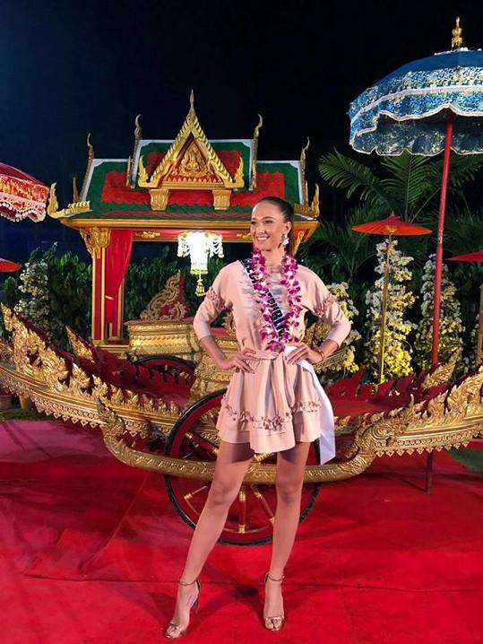 Lea bojuje o titul Miss Universe v thajském Bangkoku.