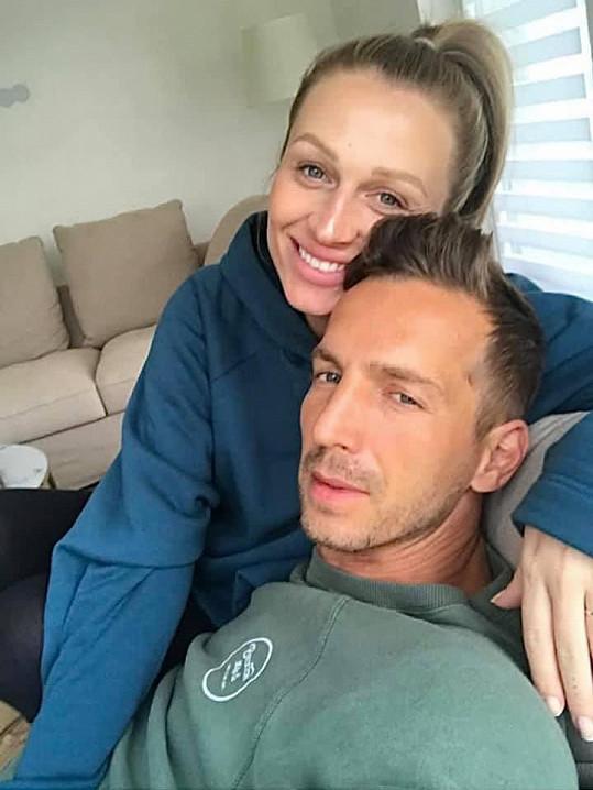 Veronika i její partner Milan mají po návratu z Malediv zdravotní problémy.