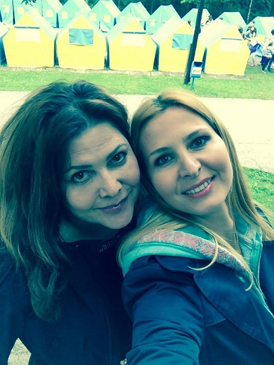 Ilona Csáková a Ivana Gottová mají dnes opět společné téma - děti.