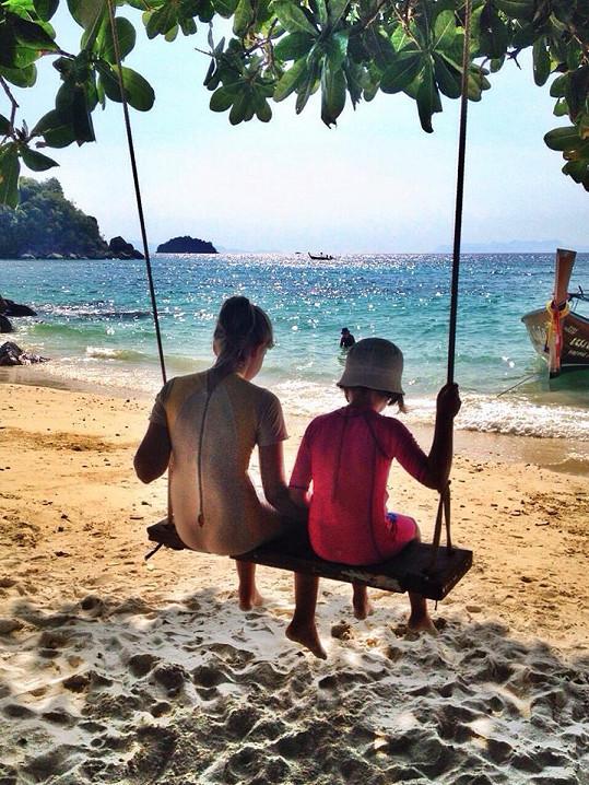 Kubelková odpočívá s rodinou v Thajsku.