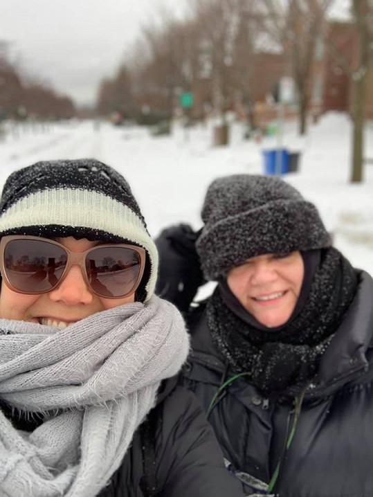 Lucii momentálně v Montrealu podporuje maminka Hana.
