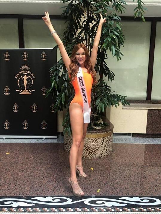 Česká Miss Supranational 2018 v soutěži plavek zvolila jednodílné od Nely Slovákové.