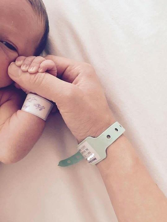 Lucie ještě v porodnici s malým synem