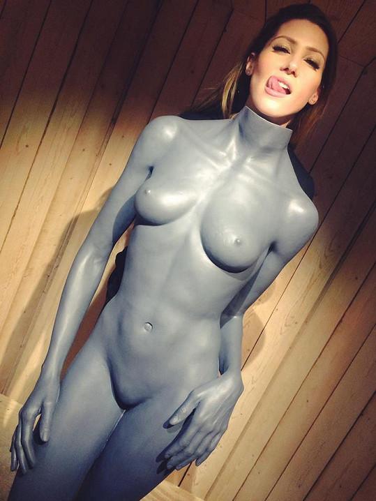 Tereza Kerndlová si vyzkoušela nahou postavu Naomi Campbell.