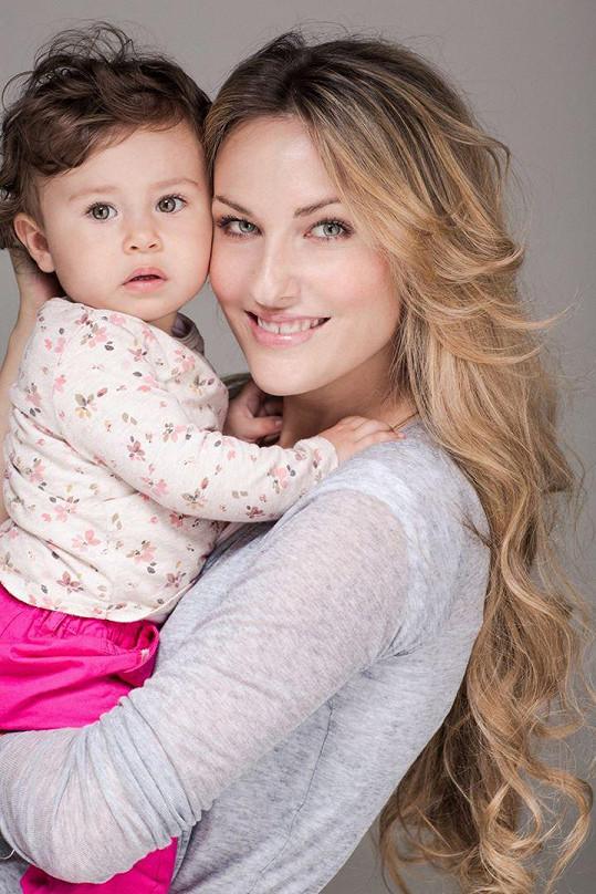 Dcera Lili je neuvěřitelně roztomilá.