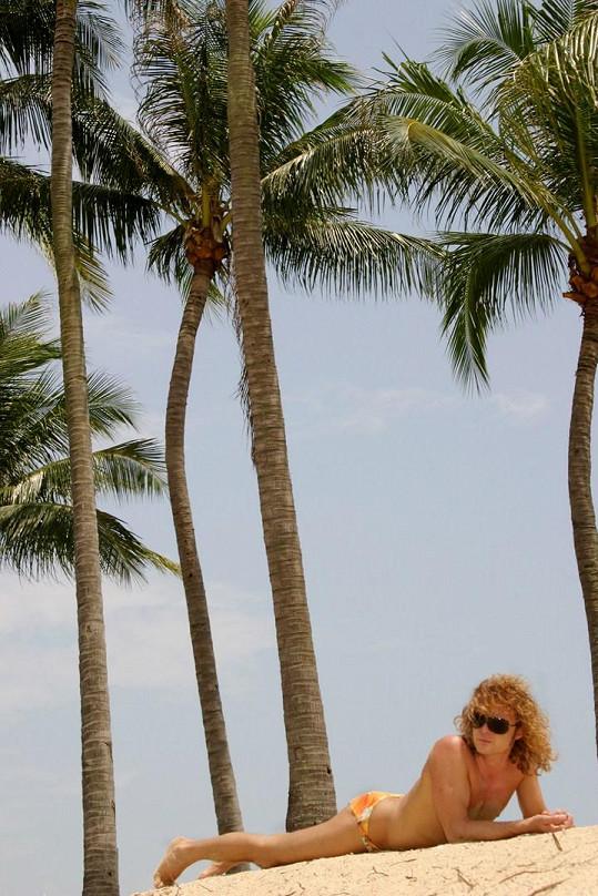 ...nebo na pláži v Singapuru