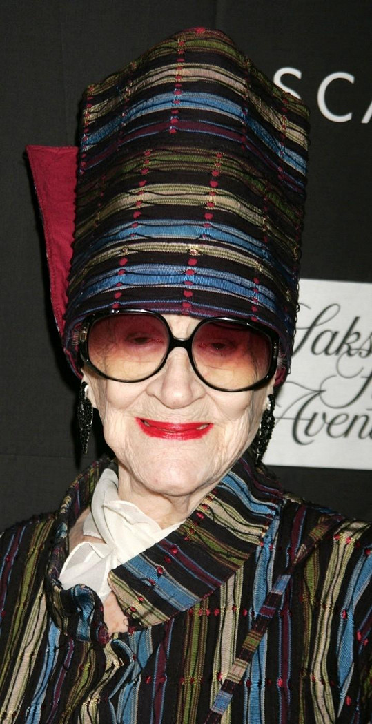 Zelda Kaplan zemřela v 95 letech po kolapsu na přehlídce.