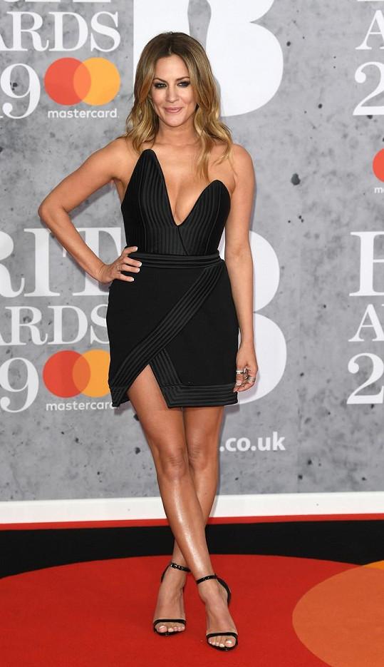 Caroline Flack na loňských cenách britské populární hudby
