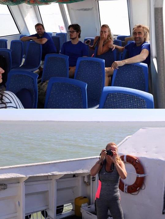 Vendula Pizingerová se pochlubila fotkami z natáčení.