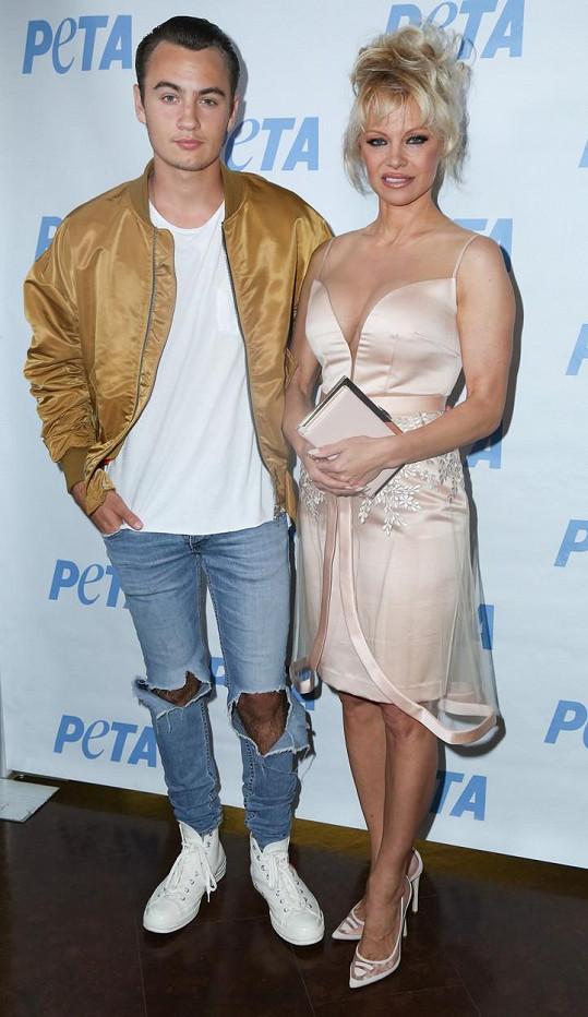 Pamela se synem Brandonem