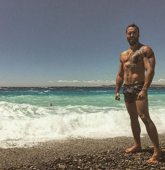 Fanynkám poslal sexy pozdrav z Nice.
