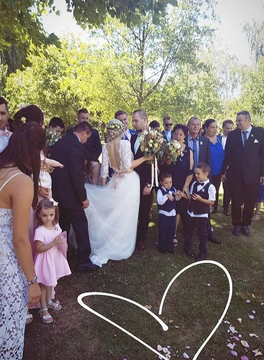 Veronika děkovala všem, kdo se jejího svatebního dne zúčastnili.