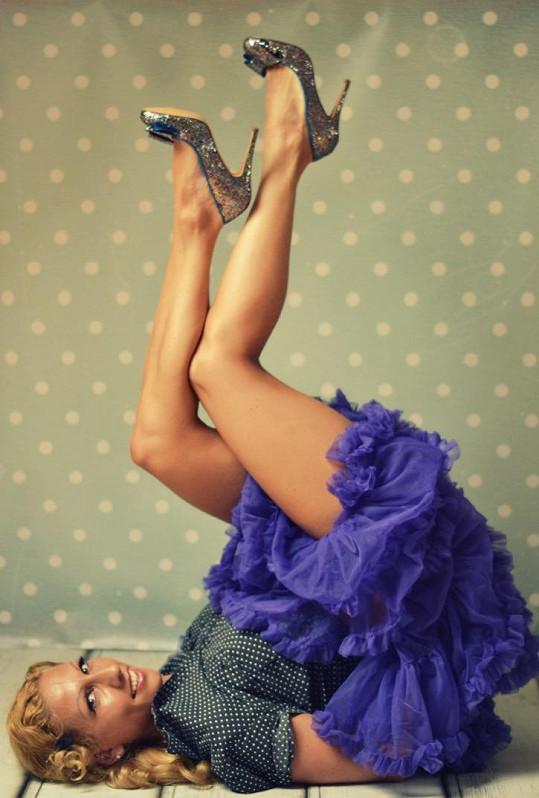 Eva a její nohy vypracované tancem