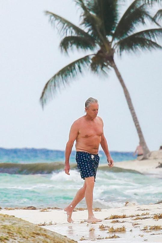 Michael Douglas na dovolené v Mexiku