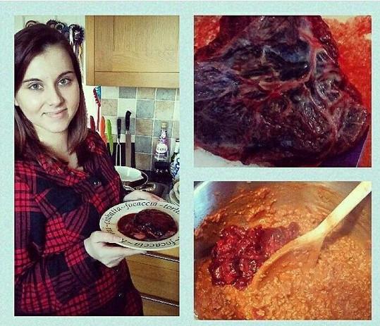 Placentu vařila s hovězím.