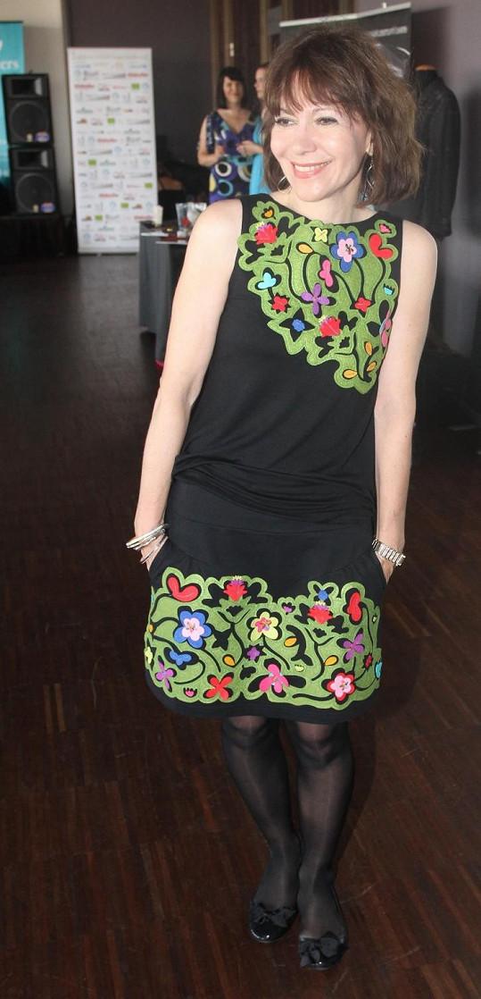 Michaela Dolinová vybrala model s květinovými aplikacemi, na nichž převládala zelená barva.