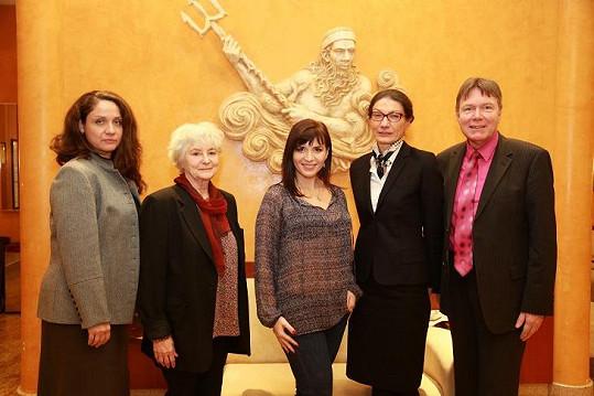 Andrea Kalivodová s týmem lékařů, kteří se snaží o lepší léčbu pacientů trpících vzácnými nemocemi.