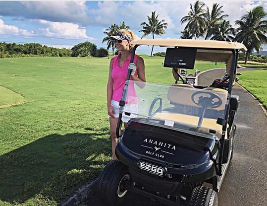 Na Mauriciu ale hrála i golf.