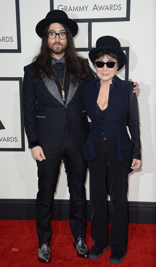 Sean Lennon má s matkou Yoko Ono velmi blízký vztah.