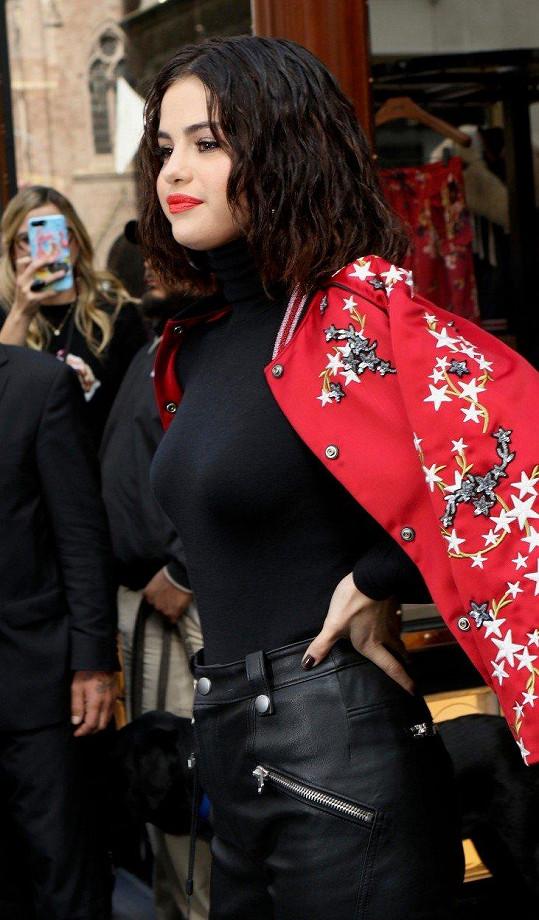 Jak vidno, Selena je v naprostém pořádku. Snímek byl pořízen 13. září v New Yorku.