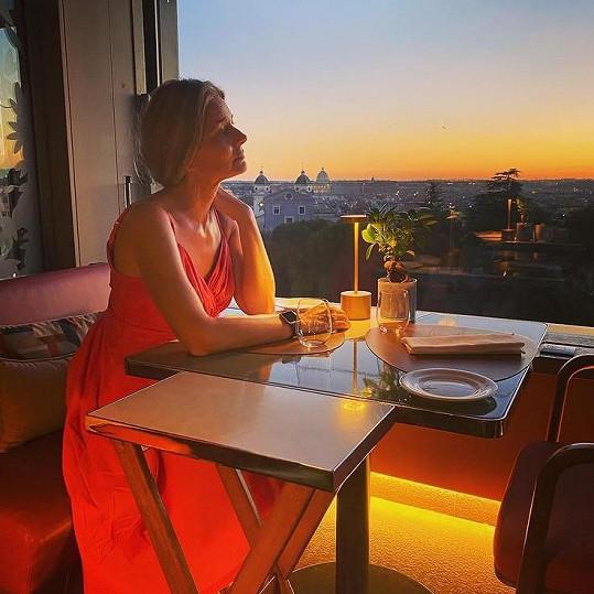 Do Říma modelku přivedla práce, byla jednou z hvězd přehlídky Fendi.
